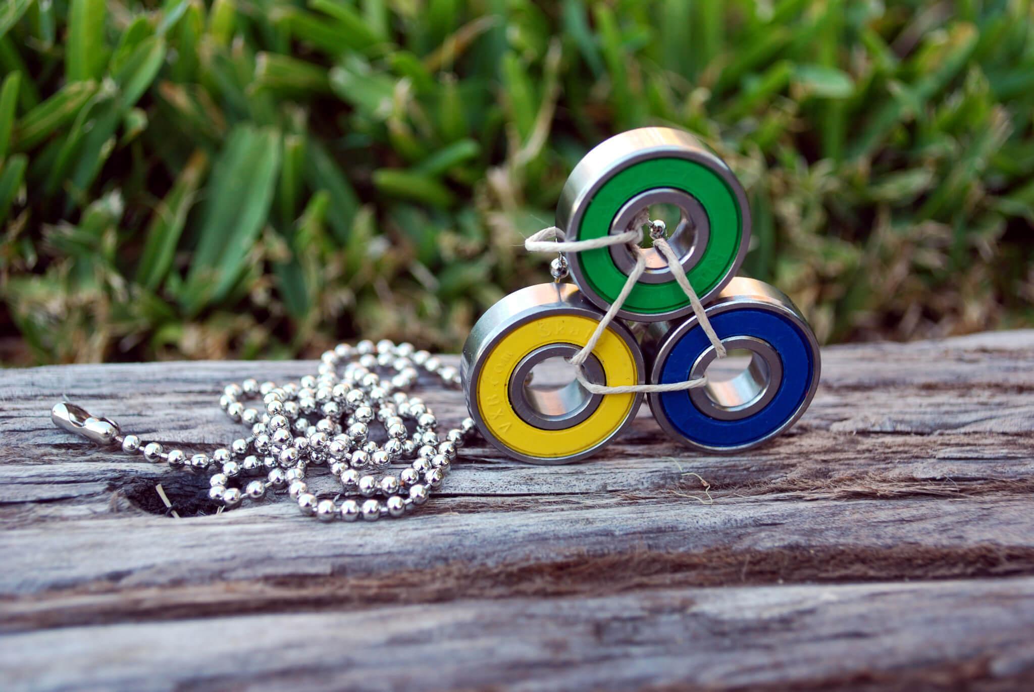 brazilian gift, necklace, skate